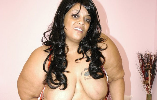 Farrah Foxx : Sublime BBW Ebony porn star